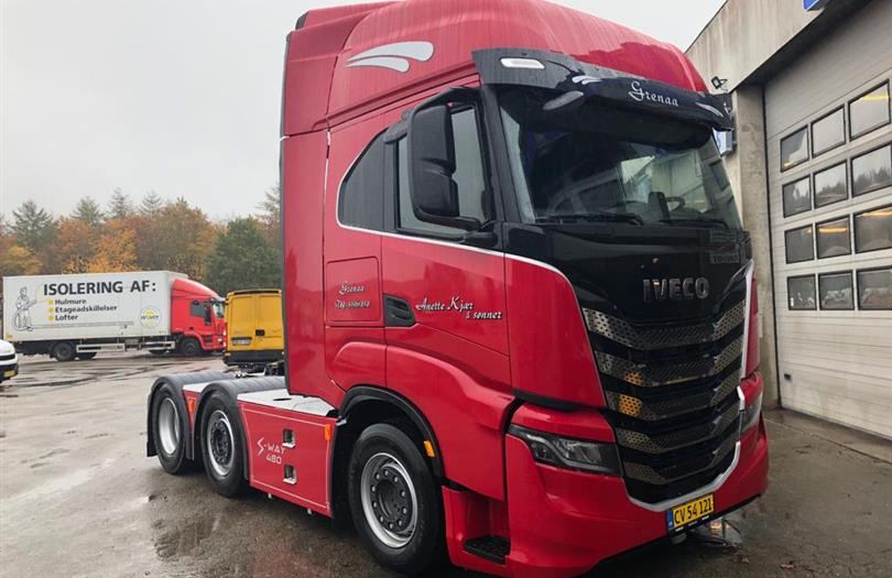 Ny Iveco twinsteer til Grenaa-vognmand
